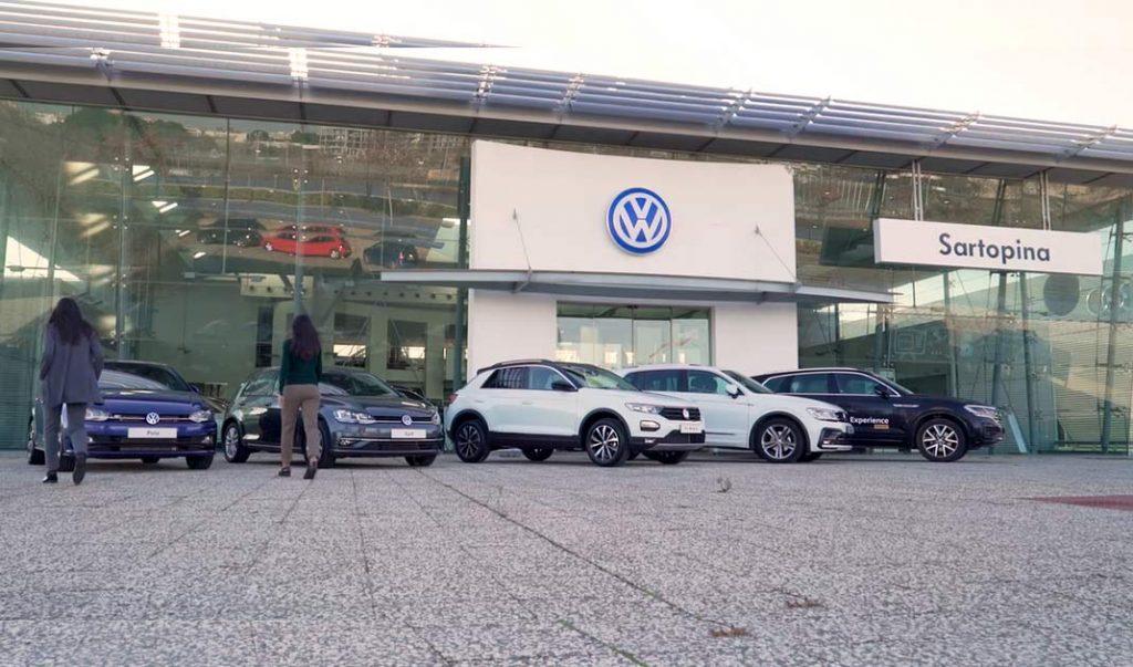 Volkswagen Sartopina con las gemelas Atomikas